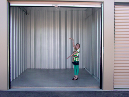 Large self storage unit reviews taylor ranch self storage for What size bed for a 10x10 room